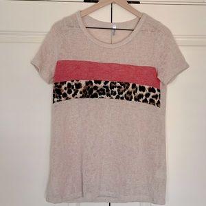 Lightweight Short-sleeve Sweater-Pink/Animal Print